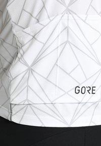 Gore Wear - TRIKOT - T-Shirt print - white/light grey - 3