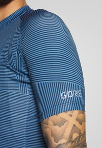 Gore Wear - LINE BRAND TRIKOT - T-shirts print - deep water blue/orbit blue - 3