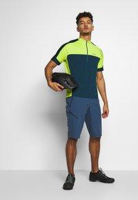 Gore Wear - SHORTS - kurze Sporthose - deep water blue - 1