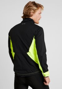 Gore Wear - THERMO TRAIL - Fleecejas - black/neon yellow - 2