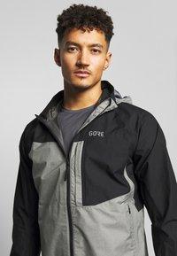 Gore Wear - GORE® C5 GORE TEX TRAIL - Hardshellová bunda - black - 3