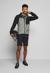 Gore Wear - GORE® C5 GORE TEX TRAIL - Hardshellová bunda - black - 1