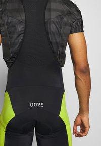 Gore Wear - TRÄGERHOSE KURZ - Tights - black/citrus green - 3