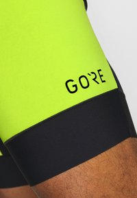 Gore Wear - TRÄGERHOSE KURZ - Tights - black/citrus green - 5