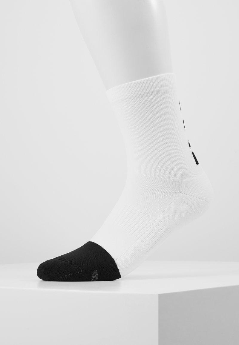 Gore Wear - BRAND MITTELLANG - Socken - white/black