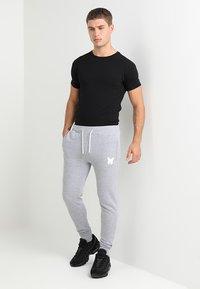 Good For Nothing - LOGO SKINNY - Spodnie treningowe - grey - 1