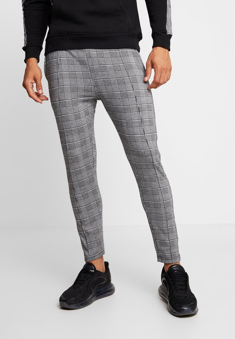 Good For Nothing - FITTED PRINCE OF WALES CHECK TAILORED PANTS WITH BRANDED  - Bukser - grey