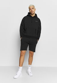 Good For Nothing - GOOD FOR NOTHING - Szorty - black - 1
