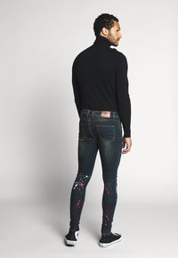 Good For Nothing - WITH PAINT SPLATTER - Jeans Skinny Fit - black - 2