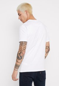 Good For Nothing - LUMINOUS - T-shirts med print - white - 2