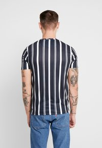 Good For Nothing - FITTED STRIPE  - T-shirts med print - black - 2