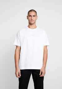 Good For Nothing - ESSENTIAL - T-shirts med print - white - 0