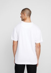 Good For Nothing - ESSENTIAL - T-shirts med print - white - 2