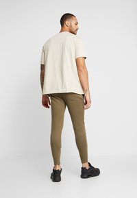 Good For Nothing - ESSENTIAL - T-shirt basic - tan - 2