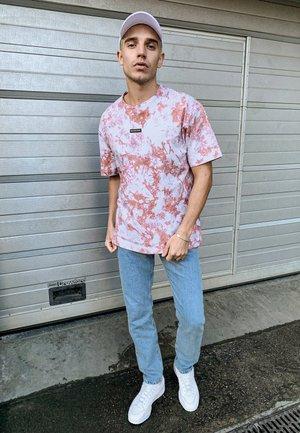 T-shirt imprimé - pink