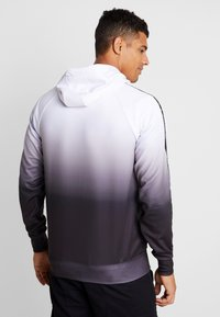 Good For Nothing - FITTED GRADIENT HOOD WITH BRANDED TAPING - Hoodie - black - 3