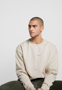 Good For Nothing - OVERSIZED ESSENTIAL - Mikina - stone - 4