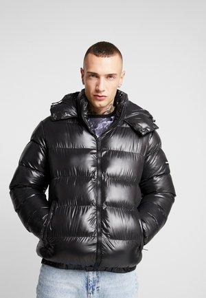 WET LOOK PUFFER JACKET - Zimní bunda - black