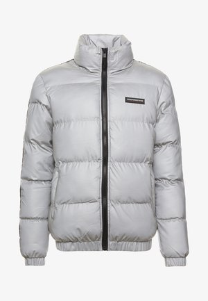REFLECTIVE FUNNEL NECK PUFFER JACKET WITH BRANDED TAPING - Chaqueta de invierno - silver