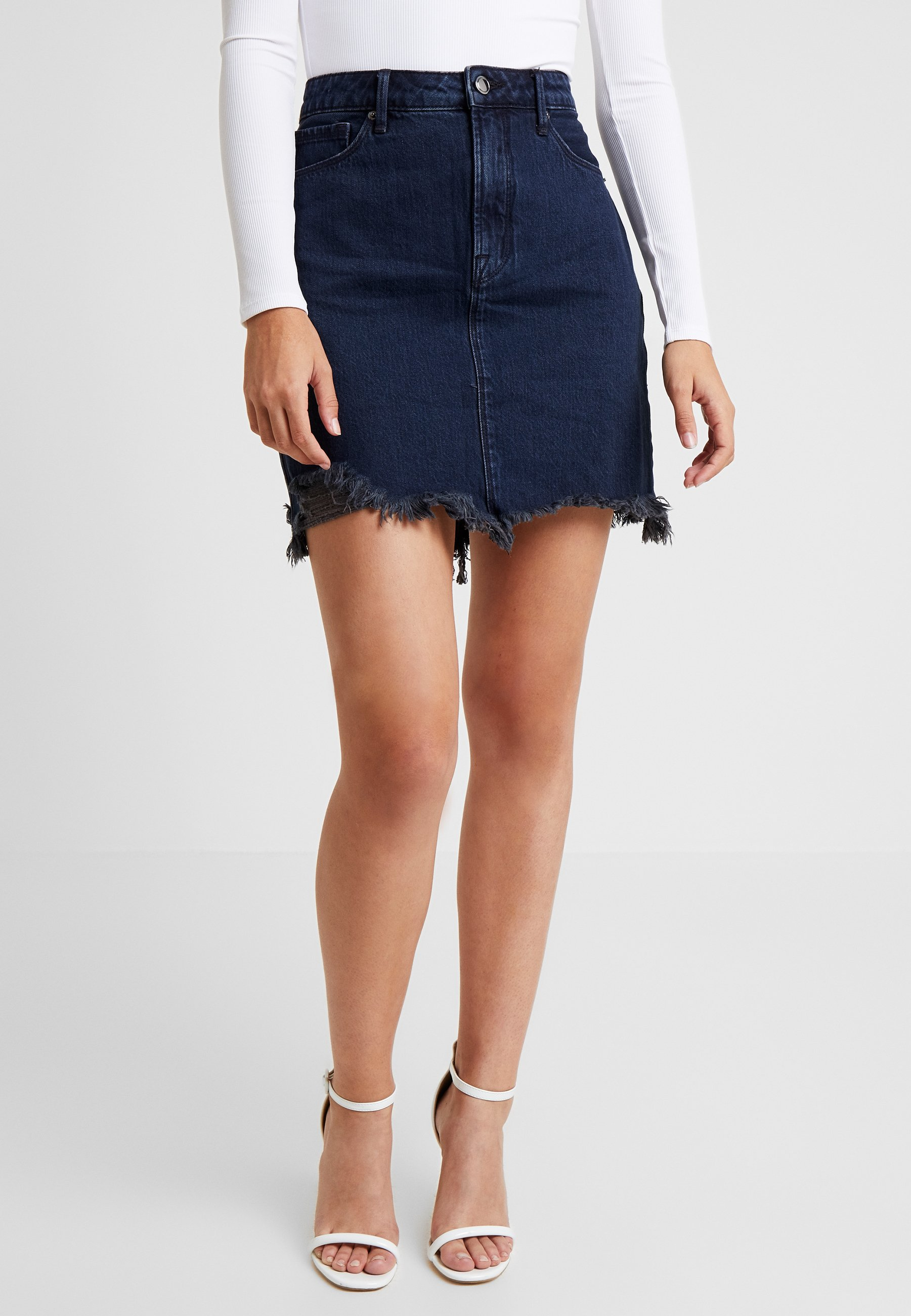 Good American - SKIRT FRAYED HEM - Denim skirt - blue