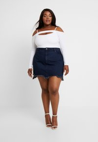 Good American - SKIRT FRAYED HEM - Denim skirt - blue - 1