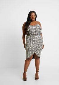 Good American - PRINTED RUCHED SKIRT - Pouzdrová sukně - beige - 1