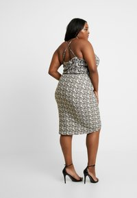 Good American - PRINTED RUCHED SKIRT - Pouzdrová sukně - beige - 2
