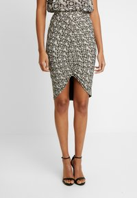 Good American - PRINTED RUCHED SKIRT - Pouzdrová sukně - beige - 0