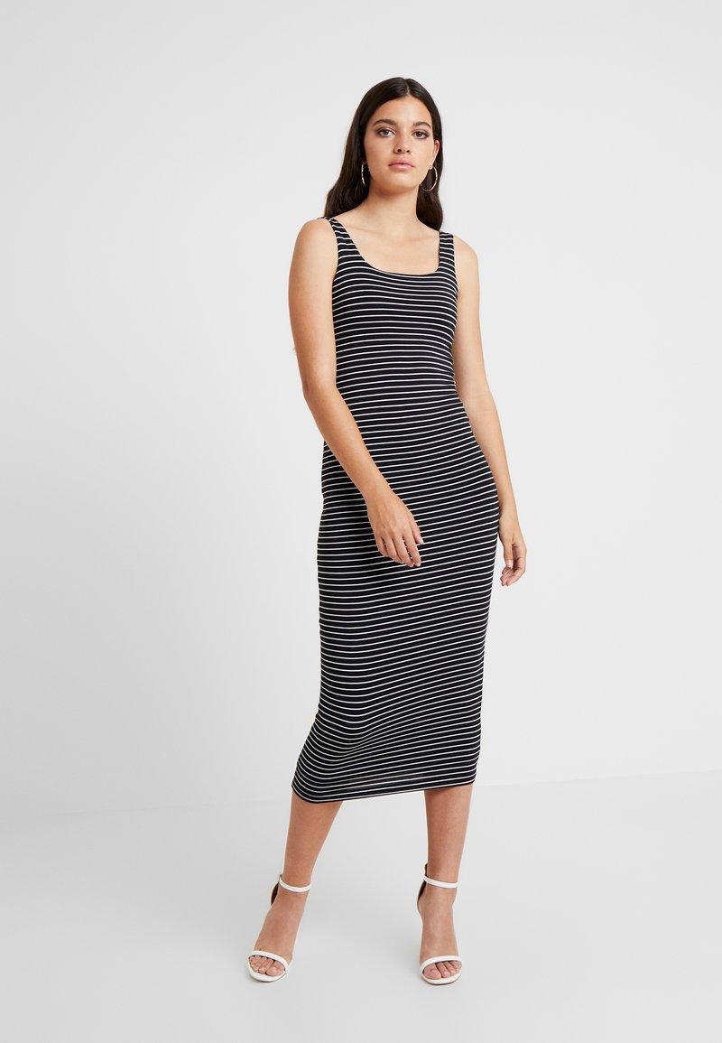 Good American - SQUARE NECK ROUCHED DRESS - Pouzdrové šaty - black/white