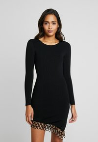 Good American - SCOOP NECK HARDWARE DRESS - Pouzdrové šaty - black - 0
