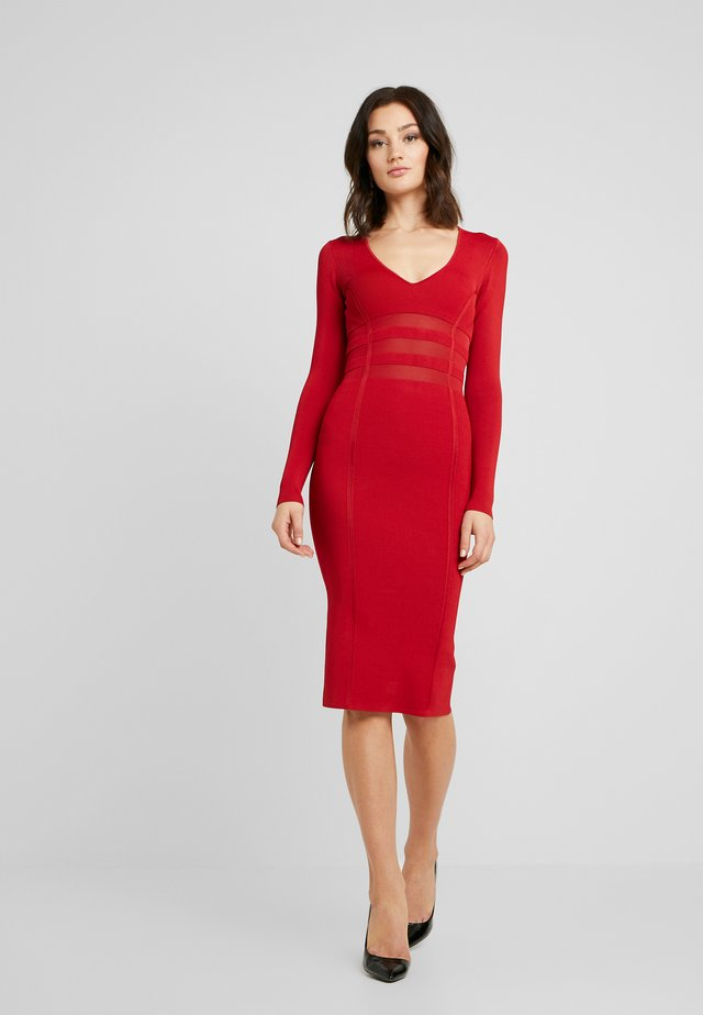 DEEP V MIDI DRESS - Fodralklänning - ruby