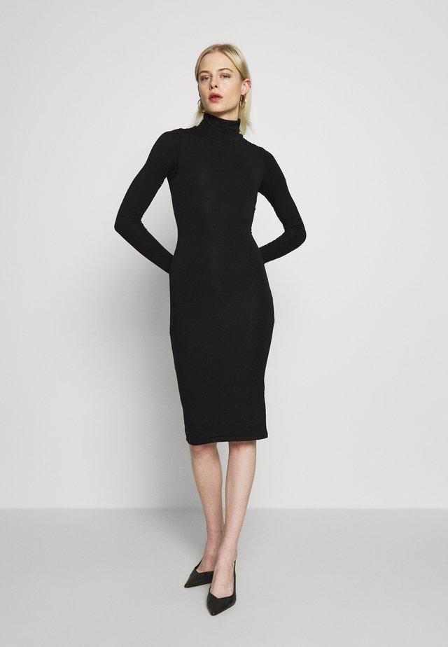 LONG SLEEVE TURTLE NECK DRESS - Vestido de tubo - black
