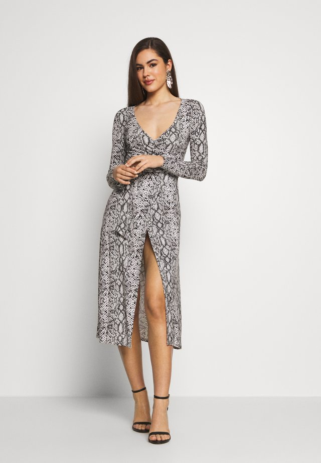PRINTED WRAP  - Jersey dress - white/black