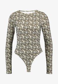 Good American - PRINTED SNAKE CREW - Bluzka z długim rękawem - beige - 8