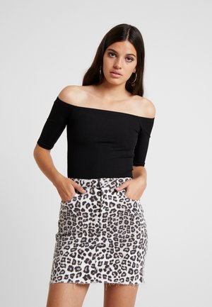 OFF SHOULDER CROP - Top s dlouhým rukávem - black