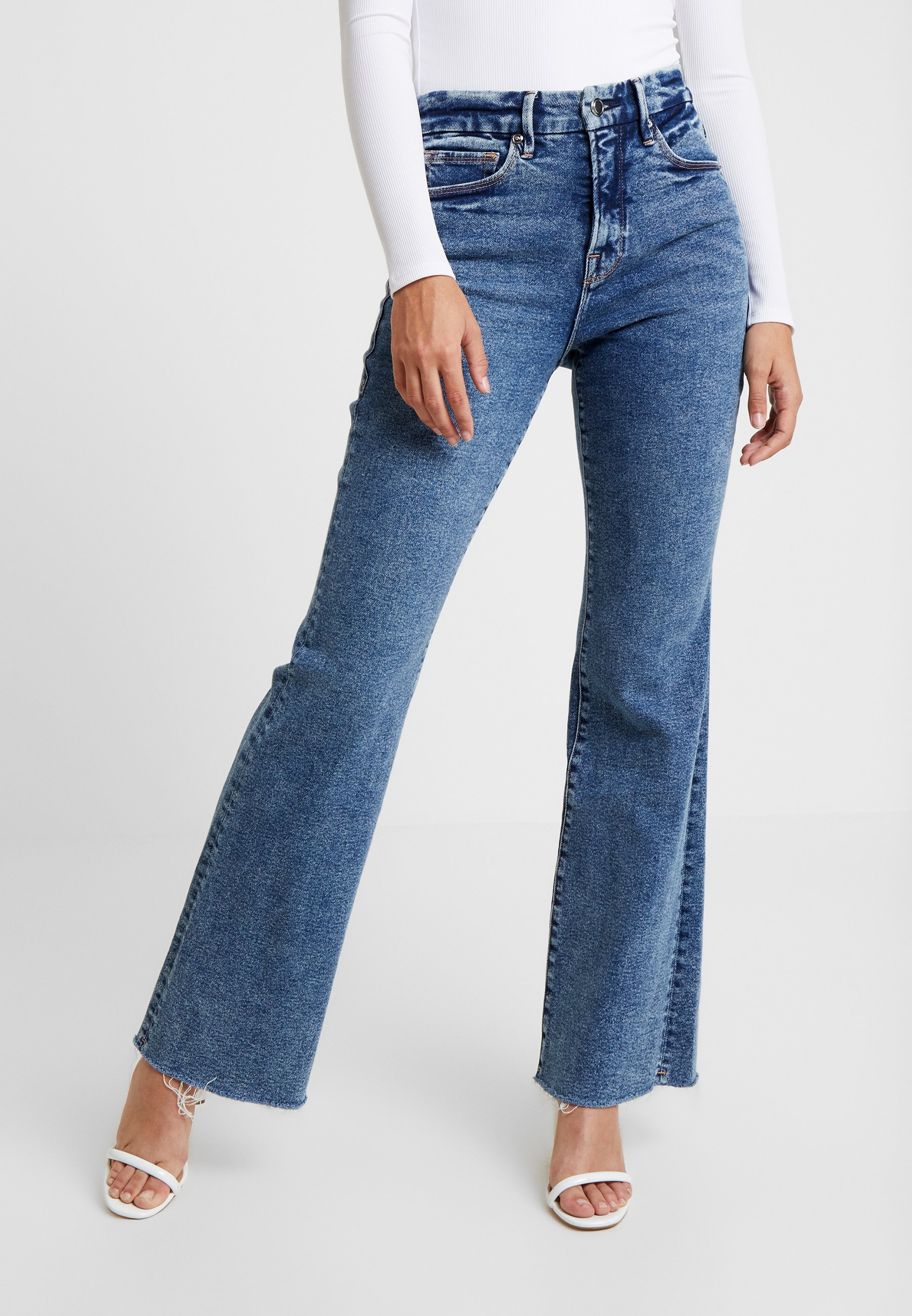 Good American - GOOD FRAY HEM - Flared Jeans - blue