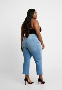 Good American - GOOD TWISTED SEAM - Jeans straight leg - blue - 2