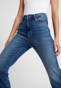 Good American - GOOD CURVE - Straight leg jeans - blue190 - 8