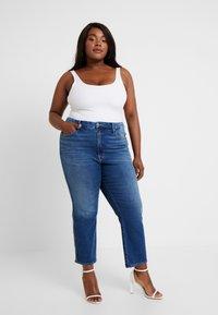Good American - GOOD CURVE - Straight leg jeans - blue190 - 1
