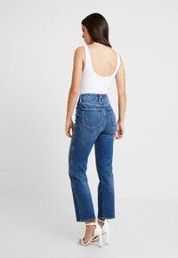 Good American - GOOD CURVE - Jeans straight leg - blue190 - 4
