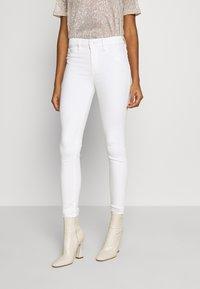 Good American - GOOD LEGS - Jeans Skinny Fit - white - 0