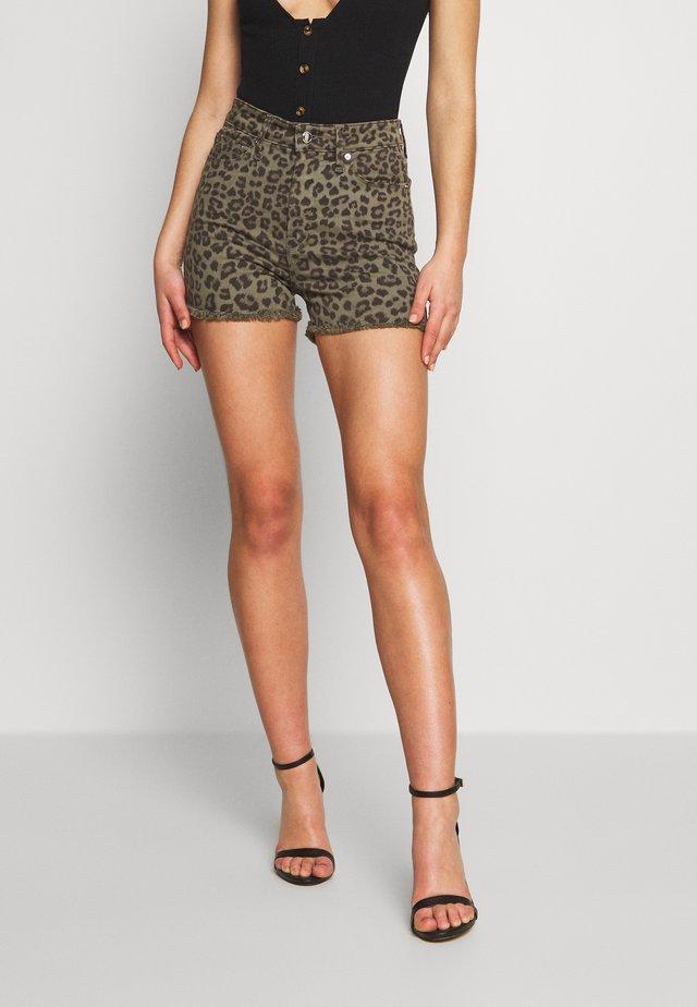 CUT OFF  - Jeansshort - sage leopard
