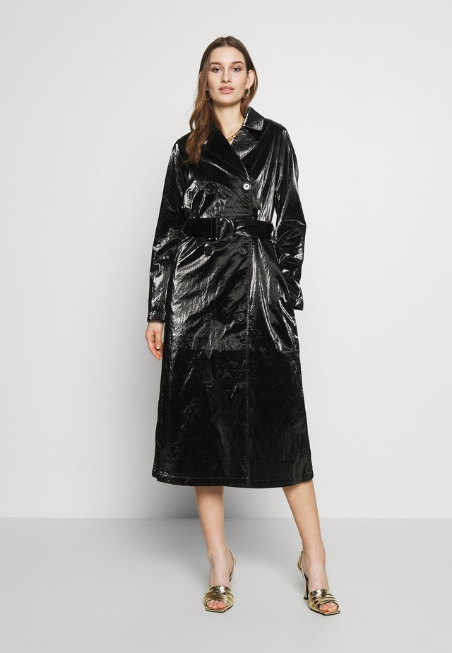 PAPER - Trenchcoat - black
