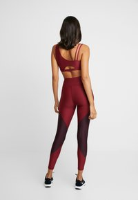 Good American - COLORBLOCK - Leggings - bordeaux - 4