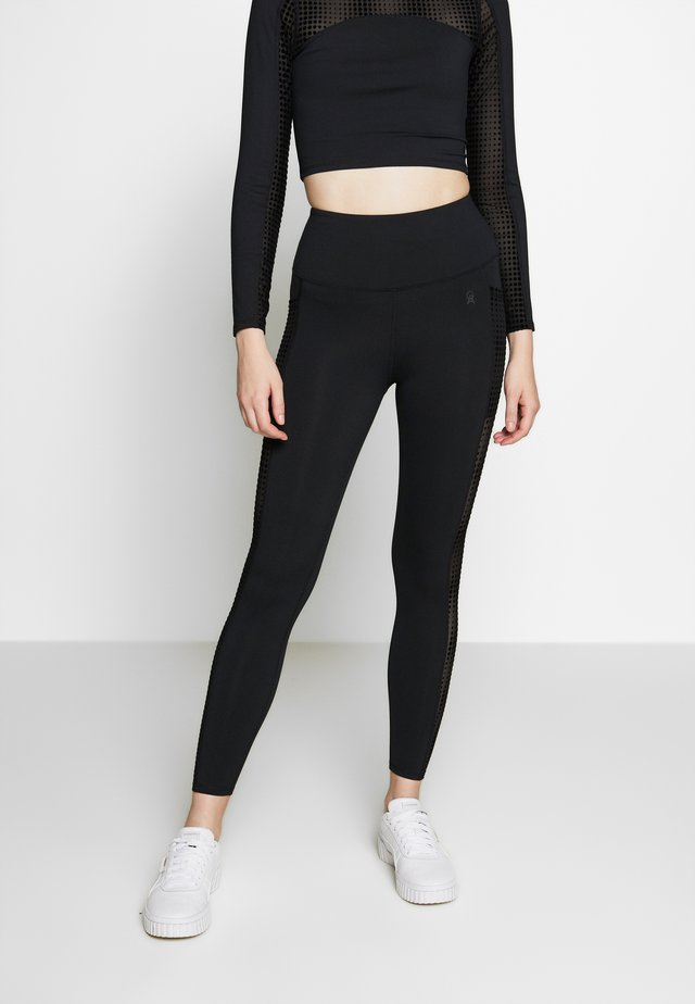 ASCENDING POCKET LEGGING - Collant - black