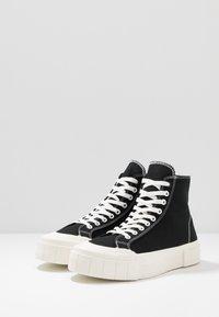 Good News - BAGGER - Höga sneakers - black - 2