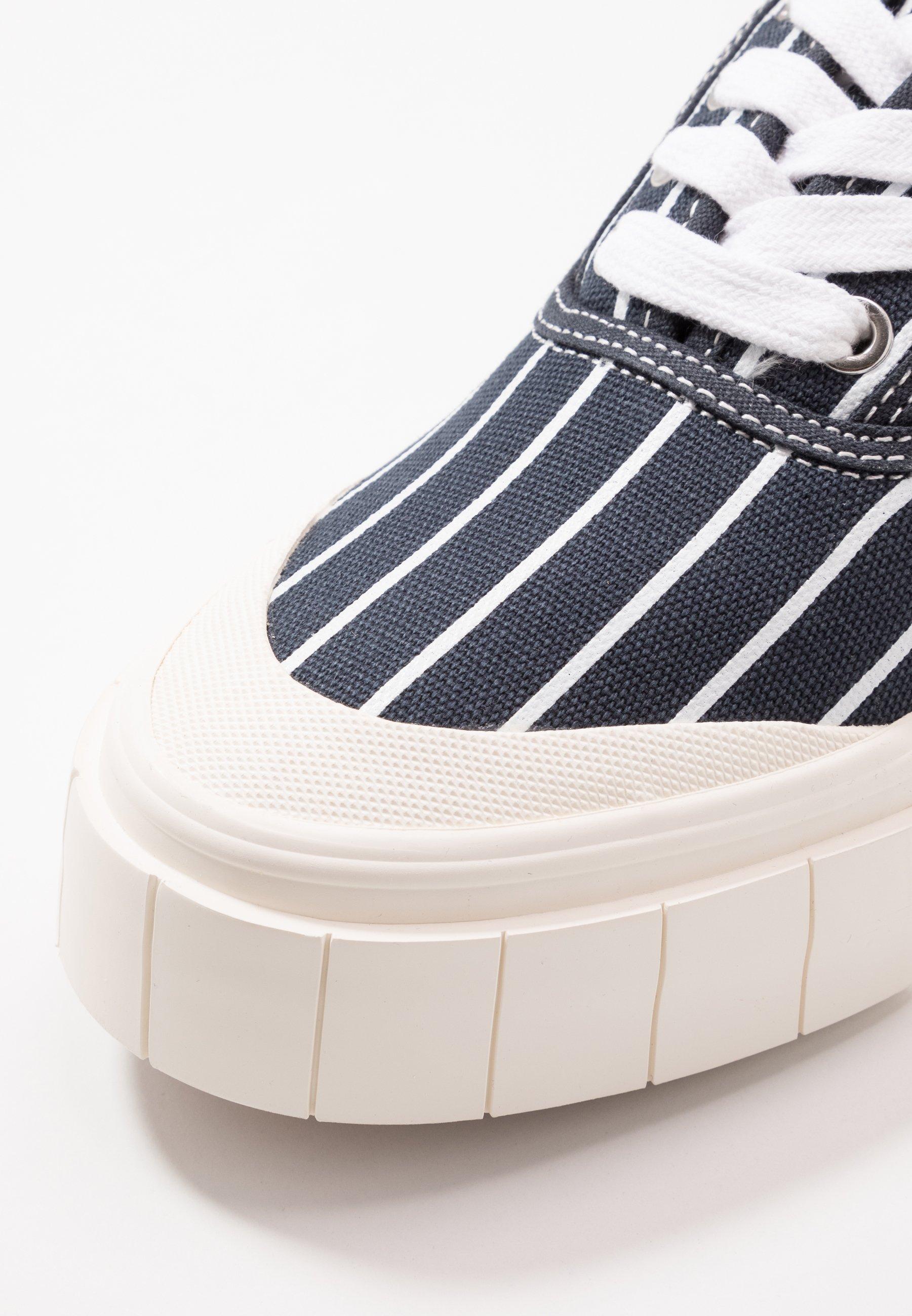 Good News Hurler - Baskets Basses Navy
