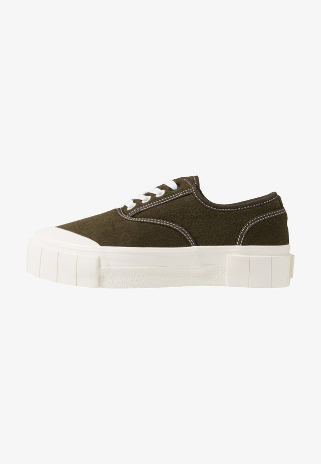 SOFTBALL - Sneakers laag - olive
