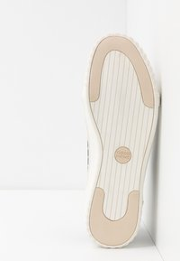 Good News - HURLER - Baskets basses - navy/brown - 4