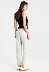 GAP - Joggebukse - light heather grey - 2